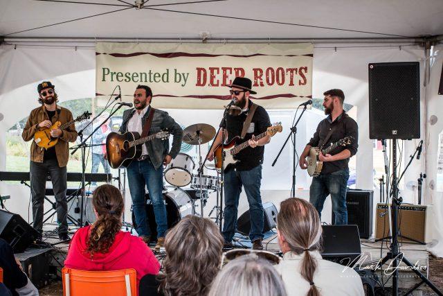 Festival tent Performance